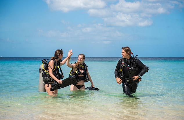 Stay and Scuba dive in the Carribbean ocean