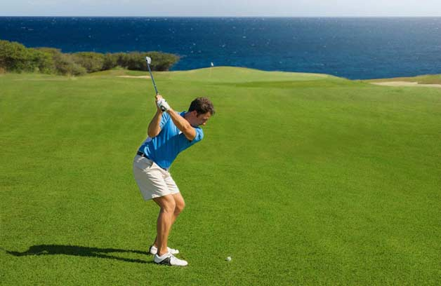 Sunny Curacao's lodges are located directly at the 18-holes golf course